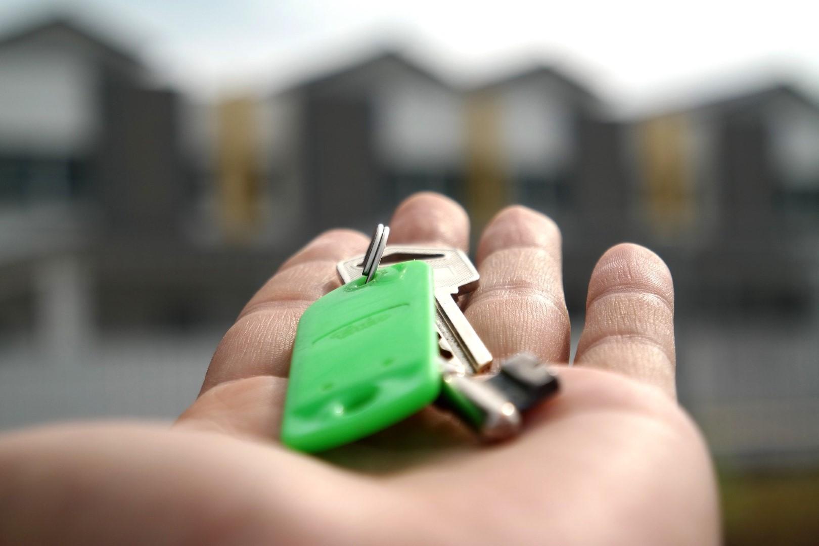 Rentemeester en vastgoedmakelaar
